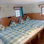Großes Schlafzimmer mit 5 Betten