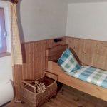 Kleines Schlafzimmer mit 2 Betten